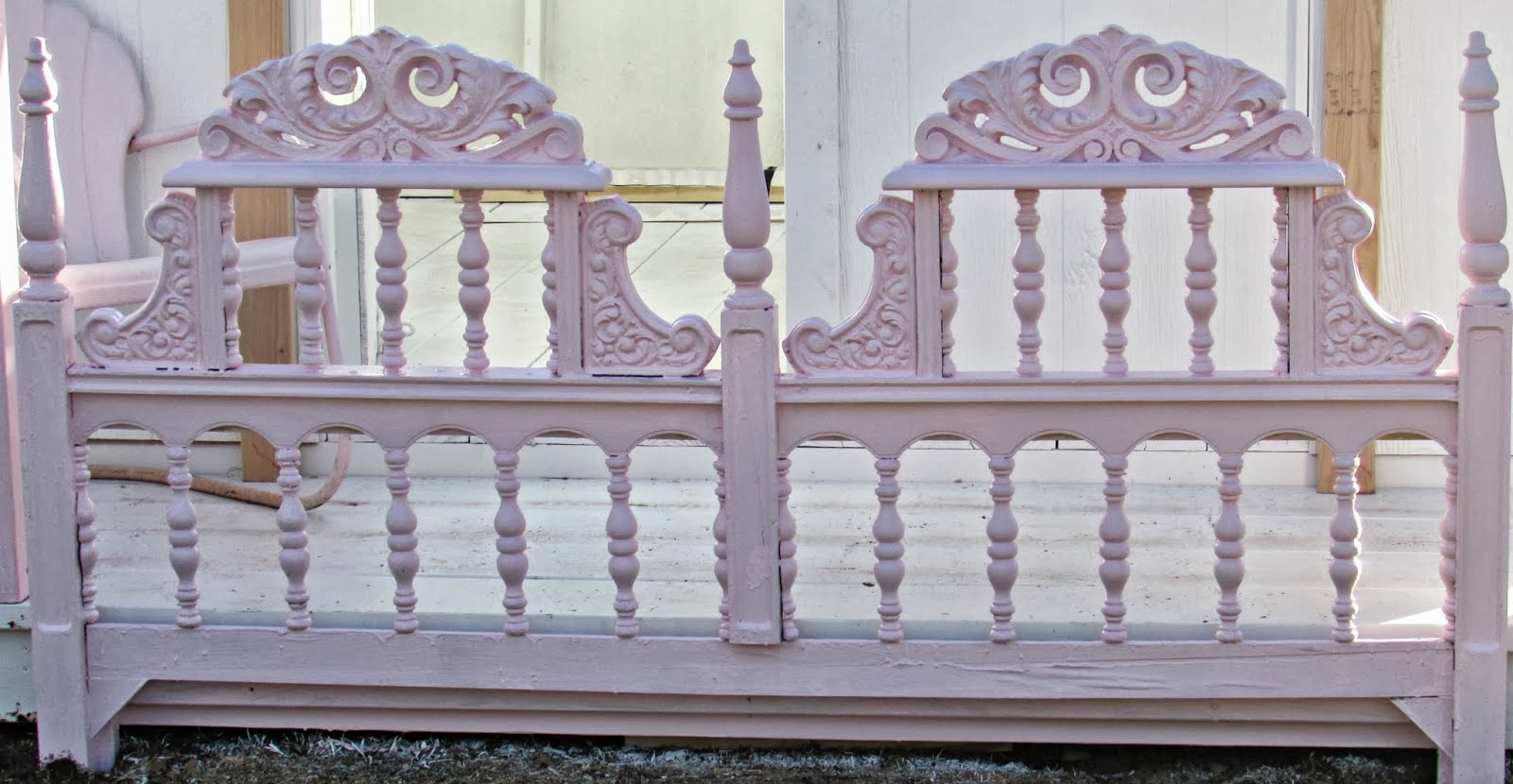 http://penny-pennystreasures.blogspot.com/2014/02/repurposed-headboard.html