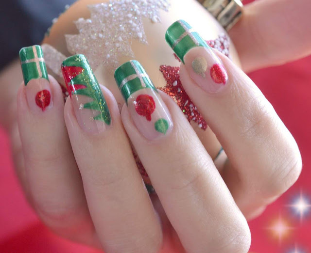 Cute Red and Green Nail Art