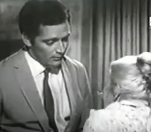 Propaganda dos Tecidos Nycron com o ator Cláudio Marzo apresentado nos anos 60.