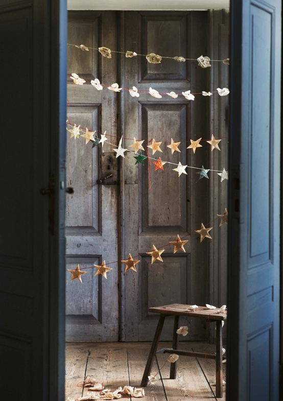 holiday decorating with star banner
