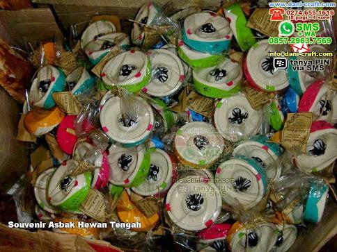 Souvenir Asbak Hewan Tengah Clay Jakarta Pusat