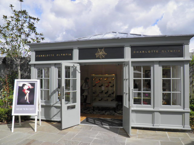 bicester senior personals Bicester ( ( listen) bis-tər) is a town and civil parish in the cherwell district of northeastern oxfordshire in england this historic market centre is one of the .