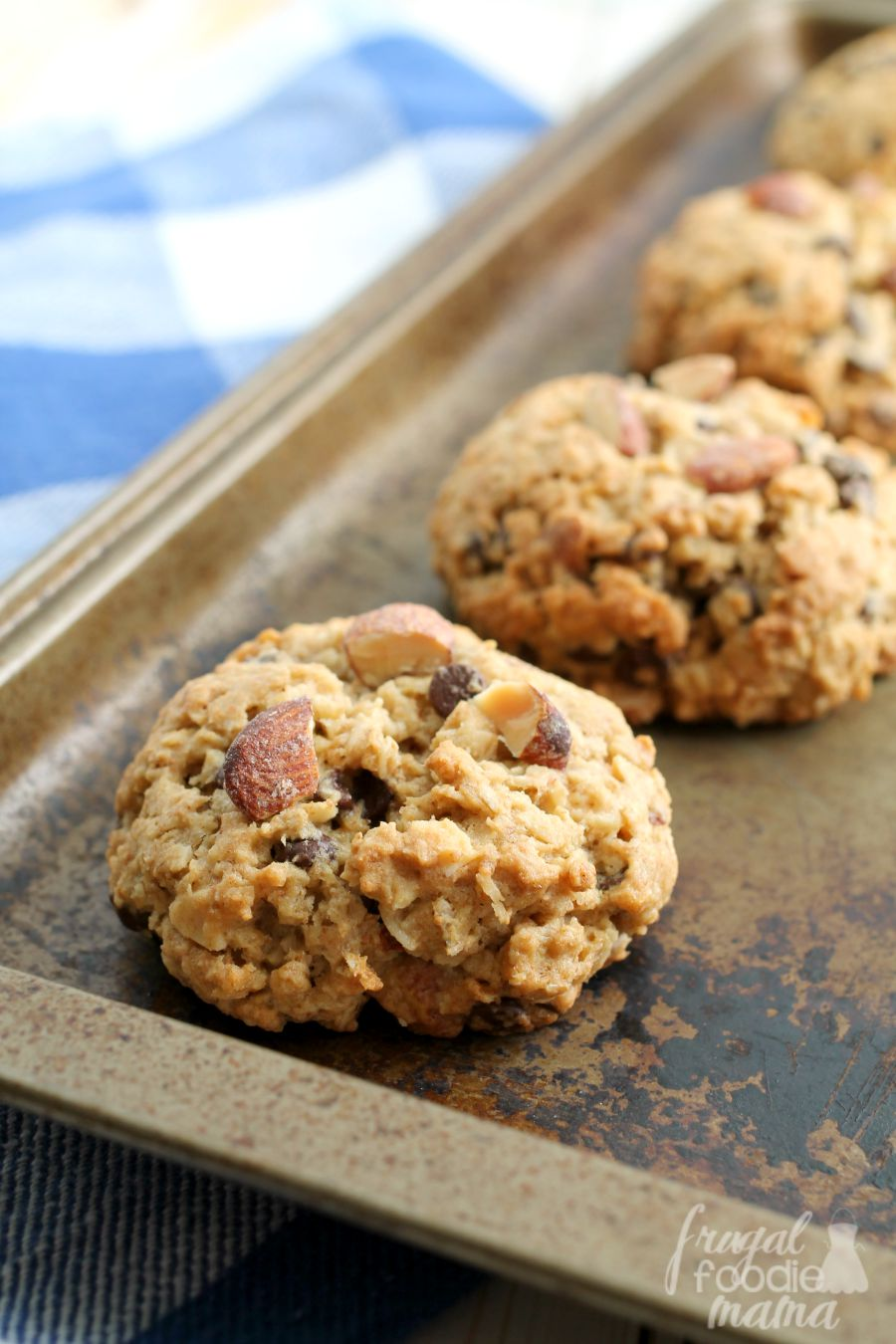 Frugal Foodie Mama: Salted Caramel Almond & Chocolate Chip Oatmeal ...