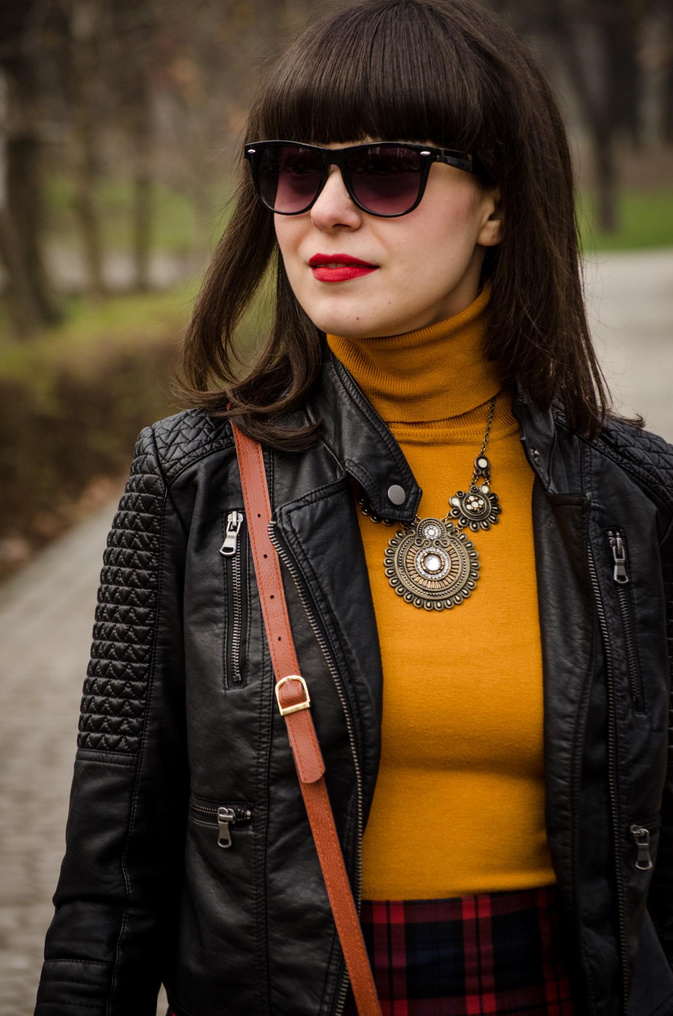 rock leather jacket high waist tartan skirt burnt orange turtleneck mustard high heels fall bangs hair biker look zara new yorker poema