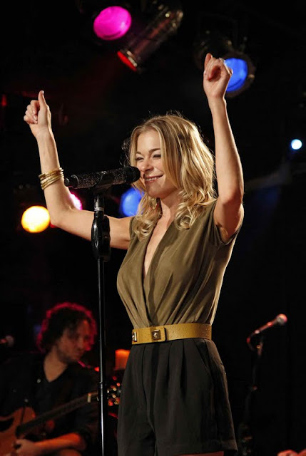 LeAnn Rimes - Live Show at Joe's Bar in Chicago