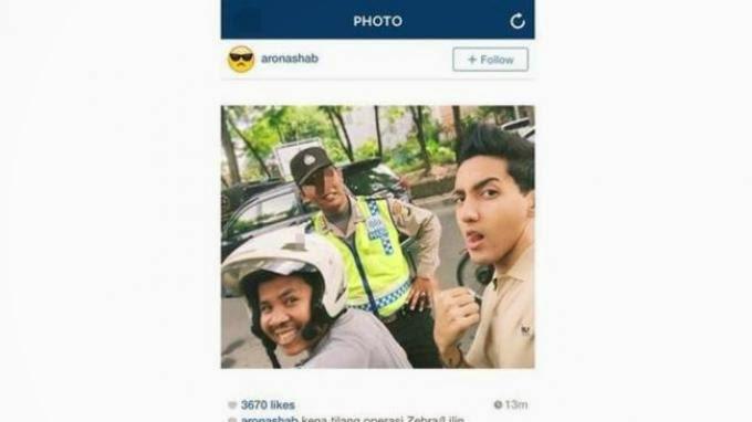 Foto Selfie Bareng Polisi Aron Ashab diBully