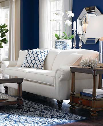 {Bassett Custom Classics Sofa}