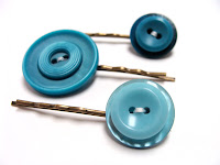 Bobby pin hair accessories with 3 retro buttons in teal blue