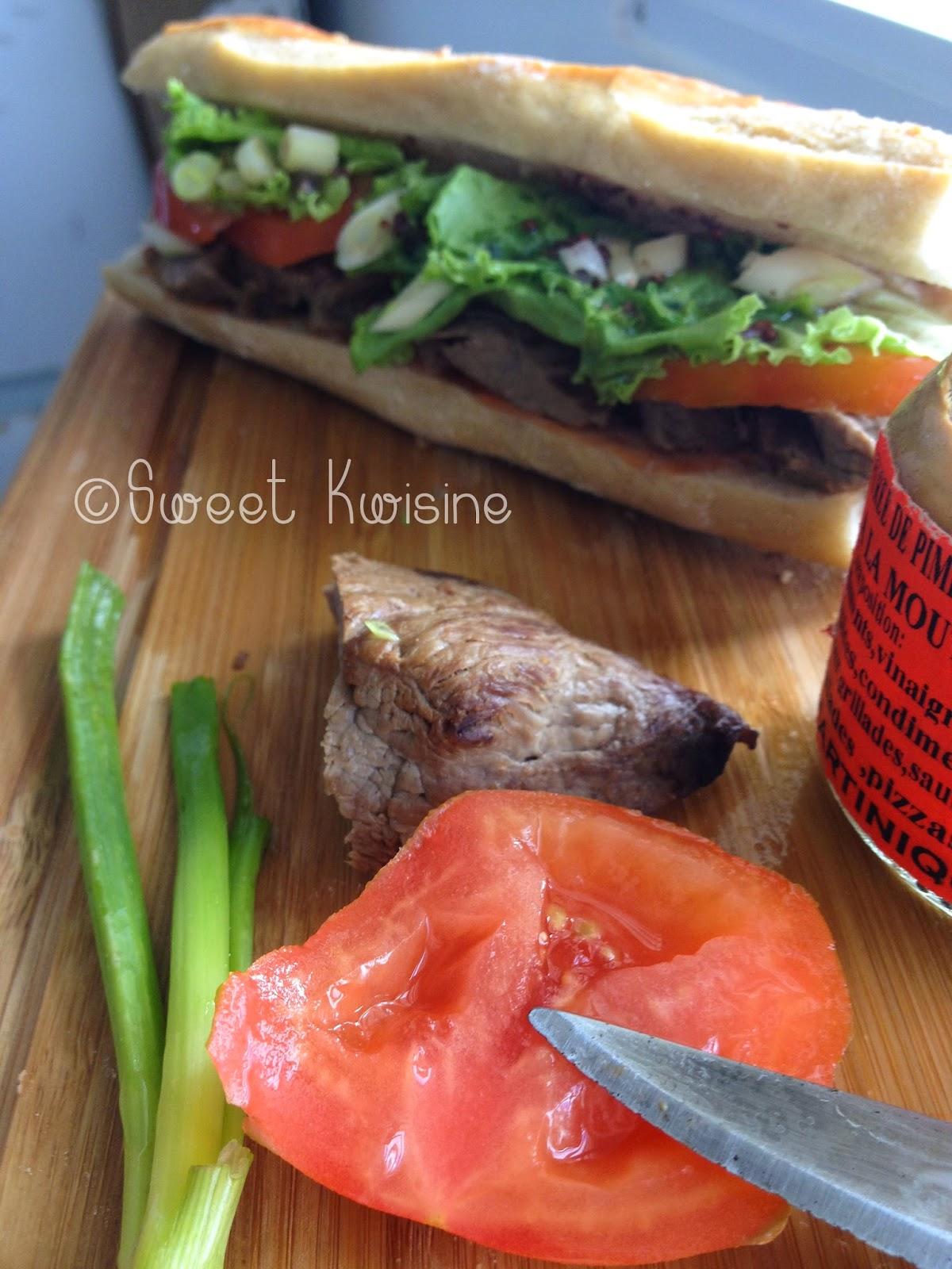 sweet kwisine, sandwich, steack, boeuf, tomate, piment, moutarde,