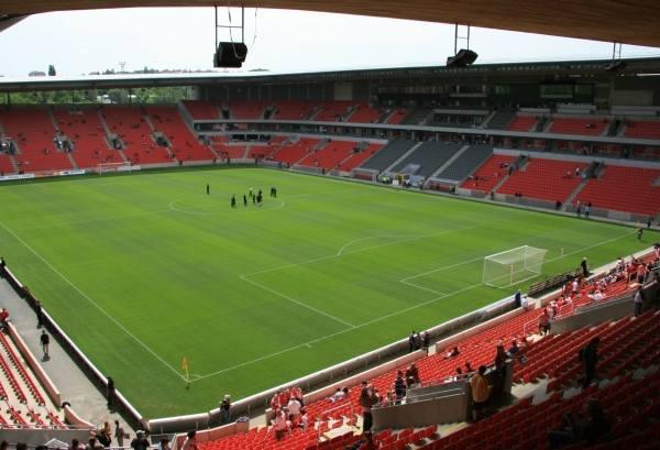 Stadion tempat pertandingan Piala Super Eropa 2013-2014