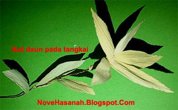 cara membuat kerajinan tangan prakarya dari kulit jagung yang berbentuk bunga cempaka