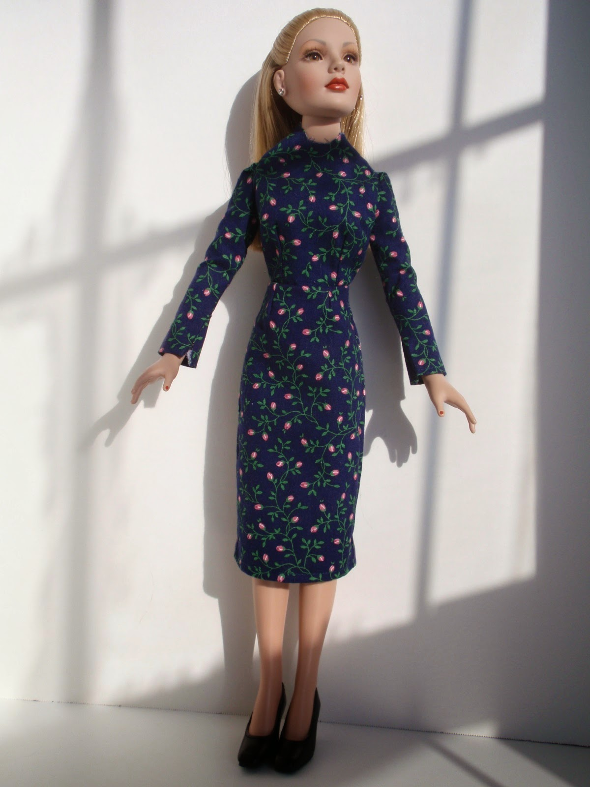 """sewing pattern for the 18/"""" Kitty Collier doll by Tonner Modern Style"""