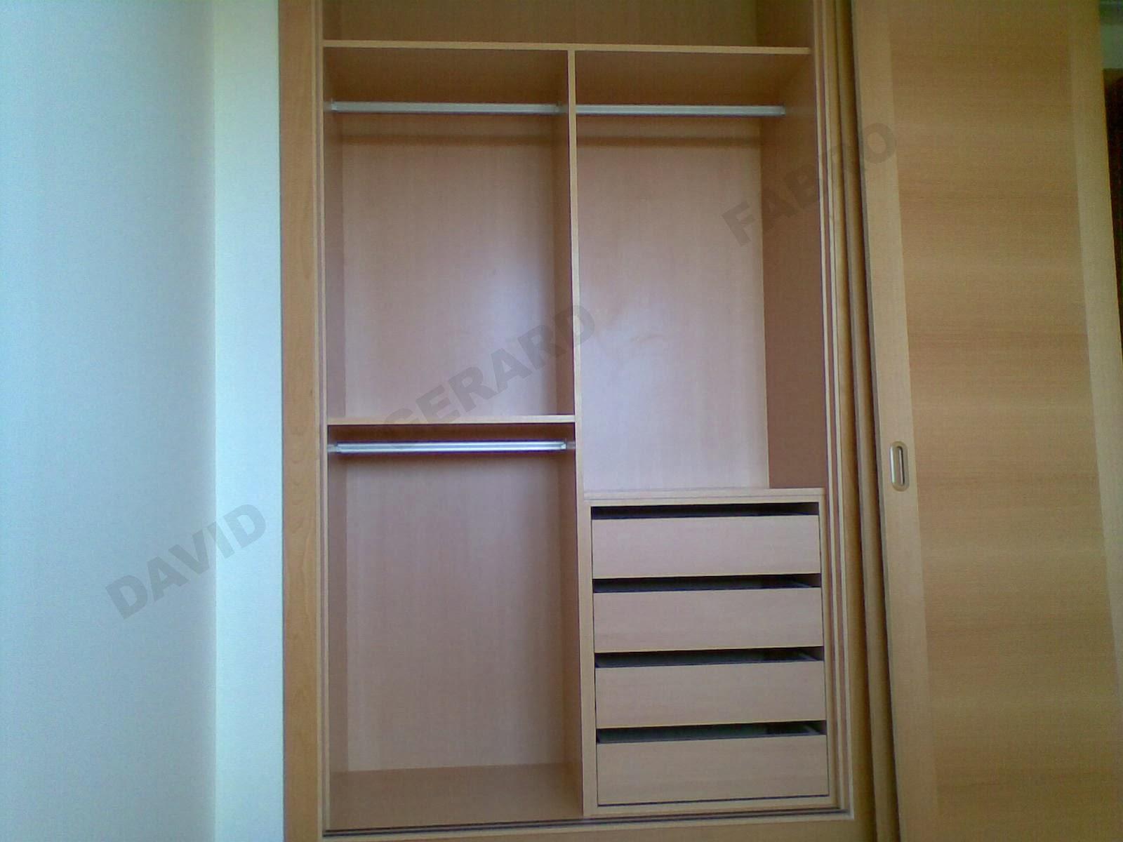Interior de armario con cajonera todo en carpinter a - Cajoneras interior armario ...
