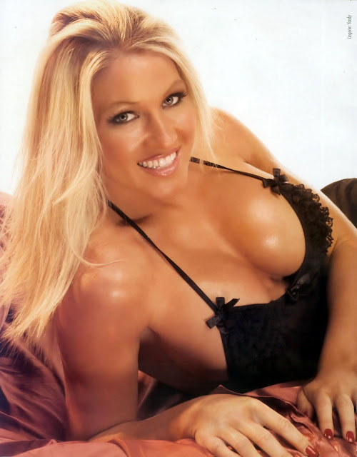 Jillian Hall, wwe, wwe divas, female wrestling, women wrestling, wrestling women