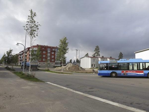 busshållplats, tomtebo, umeå