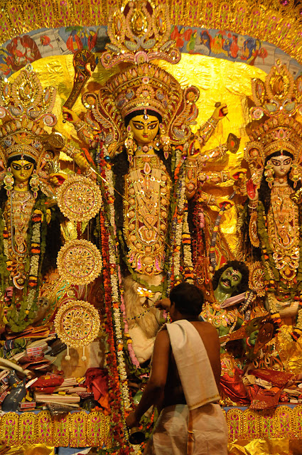 Durga Puja 2012 : Sandhi Pujo