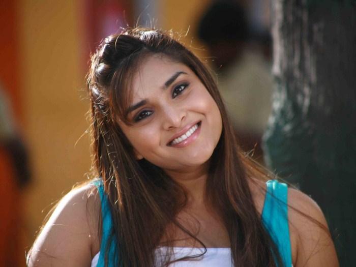 Kannada Actress Ramya Latest Cute Photos
