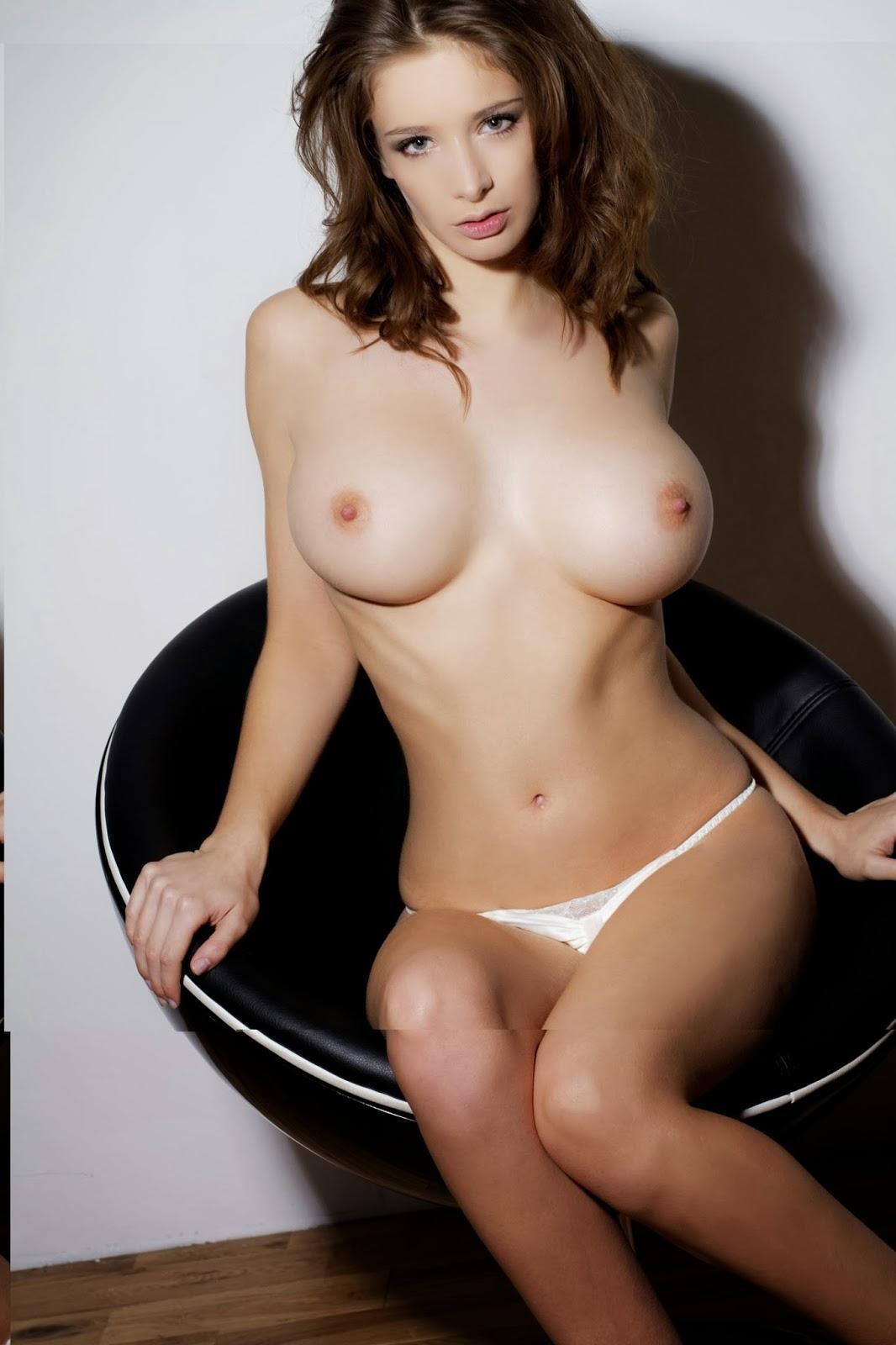 Shaw nude emily Emily Shaw's