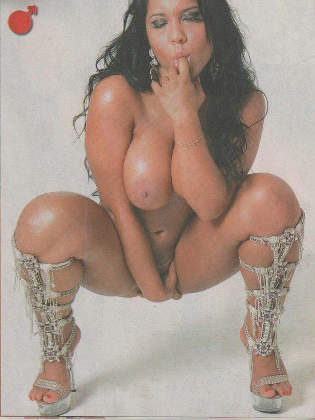 mulher muito linda pelada