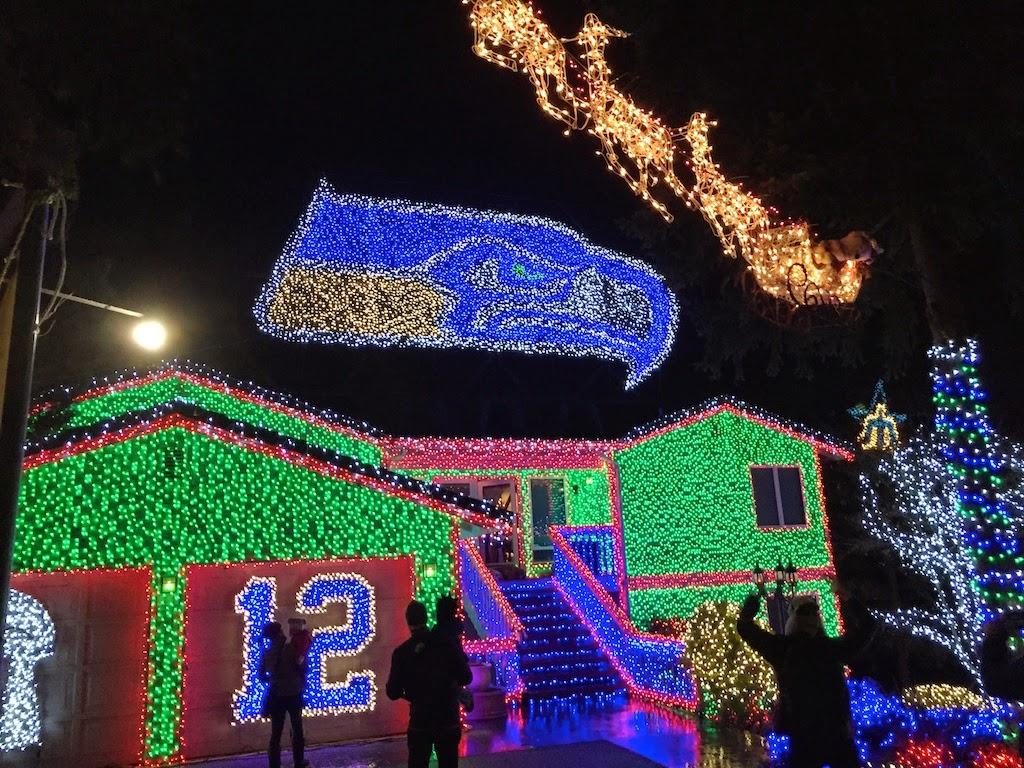 Joe\'s & Julia\'s Adventures: Christmas Lights - Seahawks Style