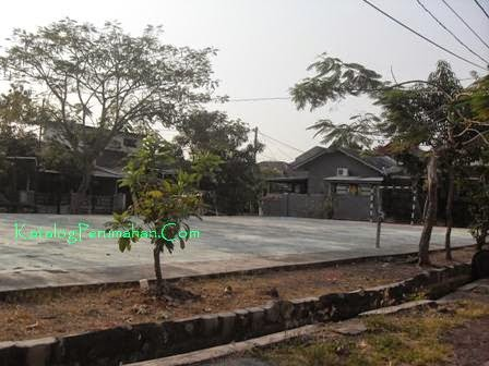 Lapangan olahraga Puri Lidah Kulon Indah