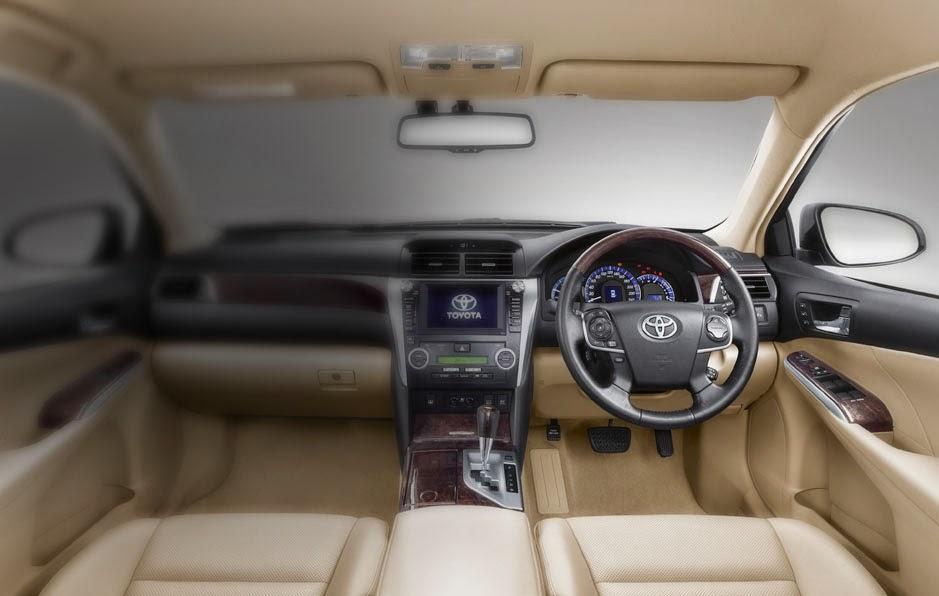 ruang kemudi mobil hybrid