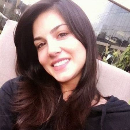 Sunny leone looking beautiful without makeup