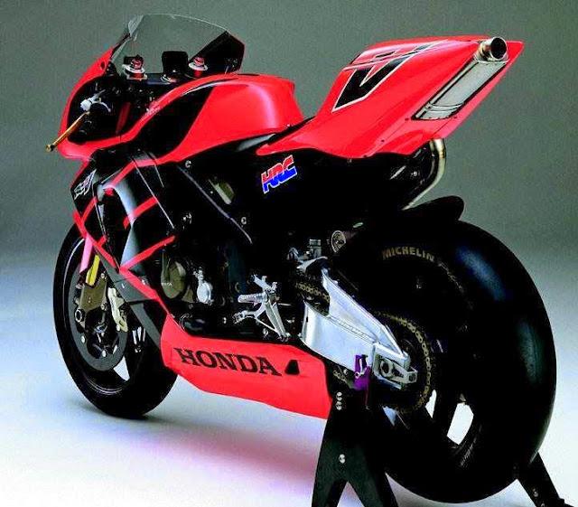Foto Motor Balap Honda