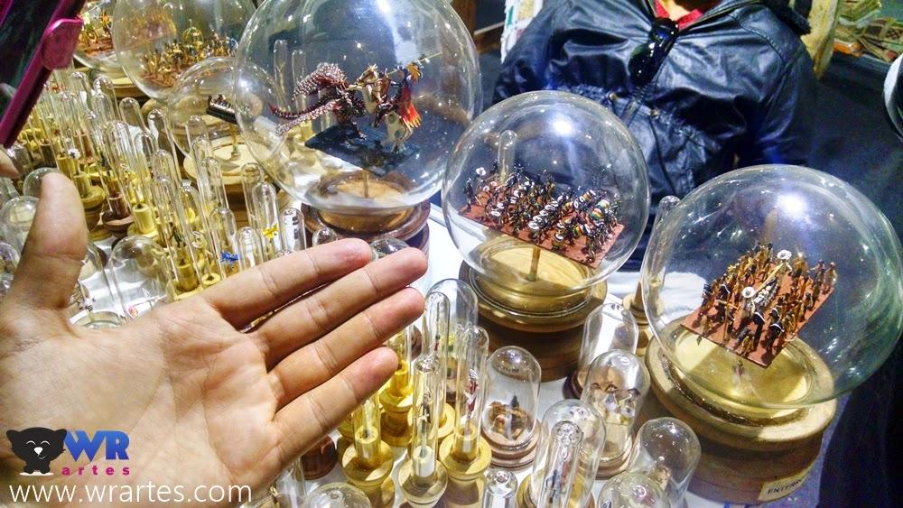 Esculturas com palito de fósforo - Mãos do Brasil
