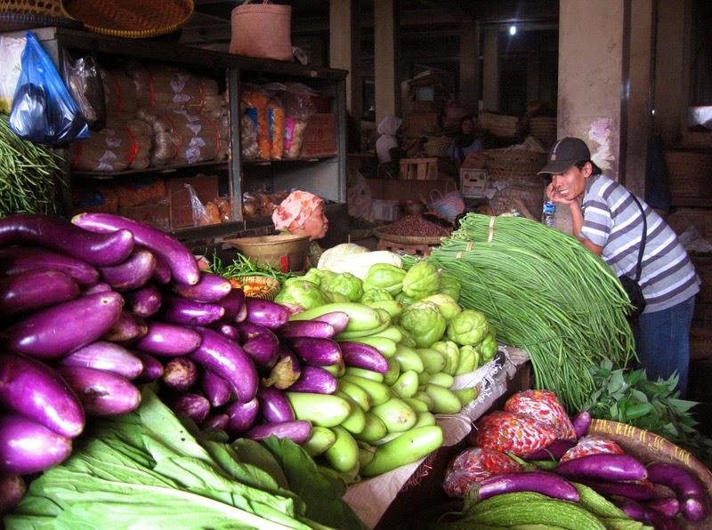 Happy Us Book - Dans les marchés indonésiens