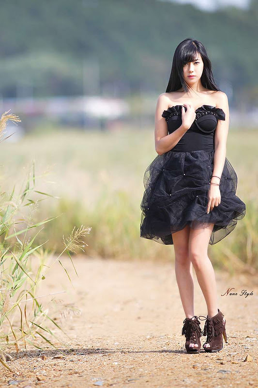 Kim Ha Yul - Black Dress Outdoor