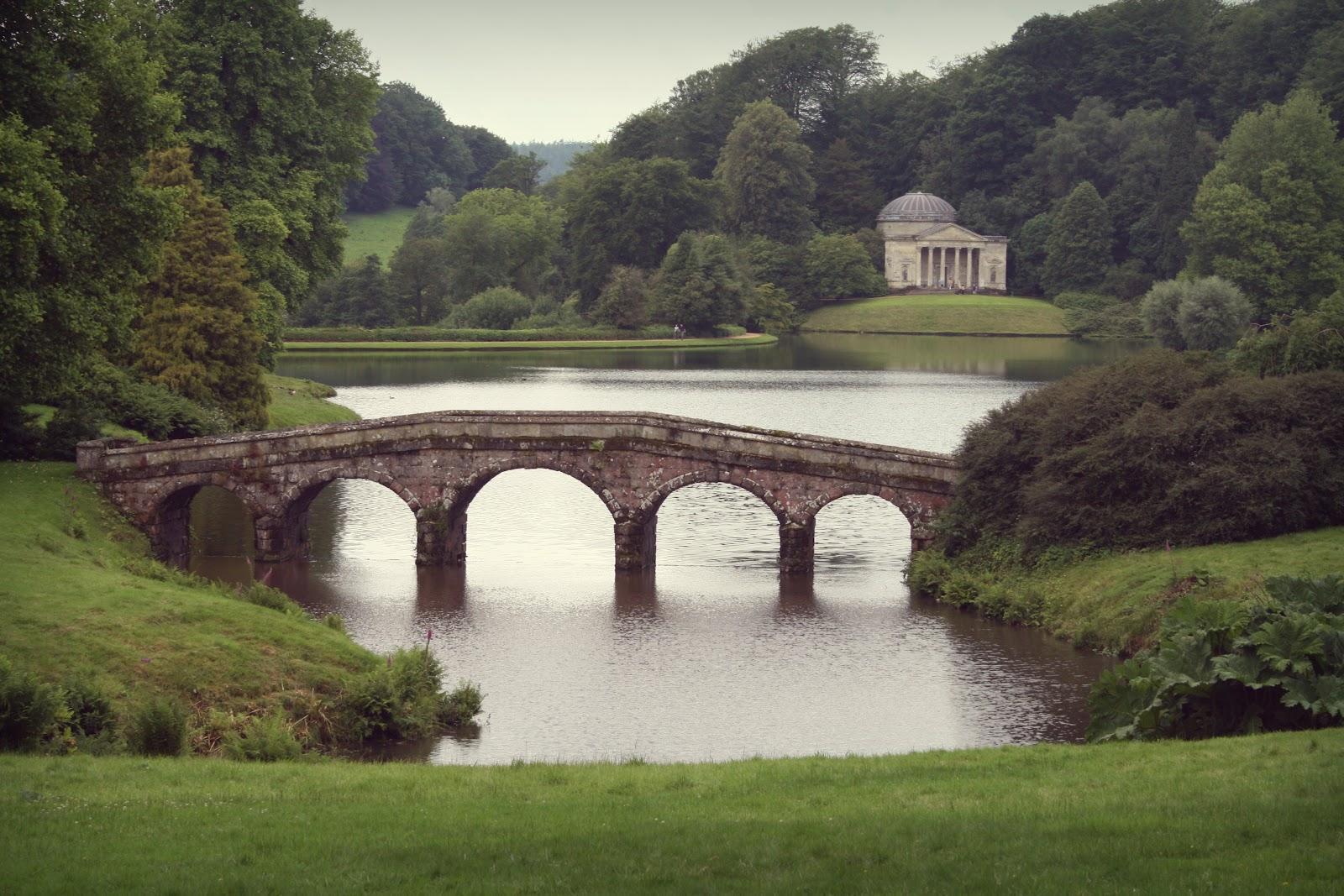 Trendy Travelista Stourhead Gardens And Stonehenge