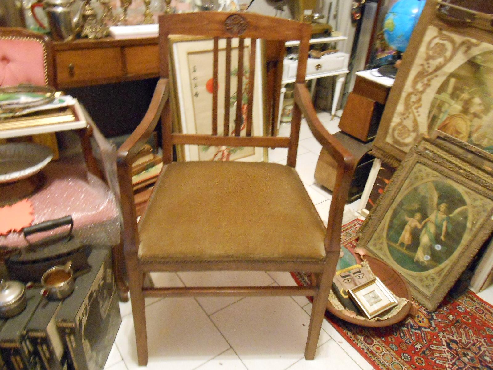 Antico e grande cadregun poltrona sedia trono liberty for Poltrona liberty