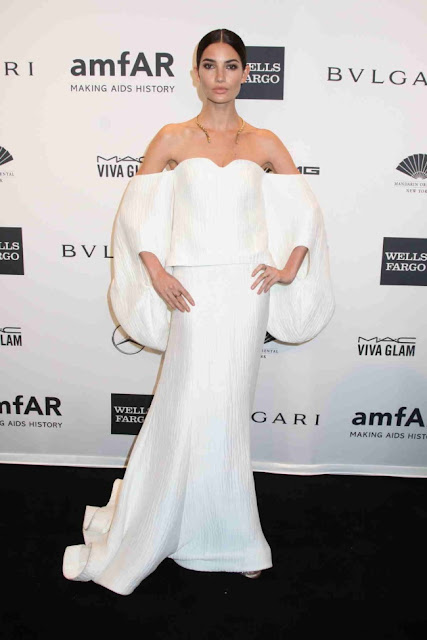 Lily Aldridge in Rosie Assoulin for the 2014 amfAR New York Gala
