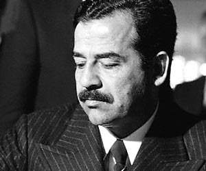19. Oktober 2005: In Bagdad beginnt der Schauprozeß gegen den irakischen Präsidenten Saddam Hussein.