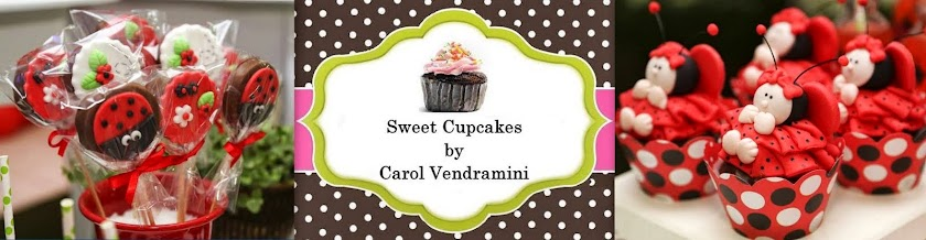 Sweet Cupcakes by Carol Vendramini