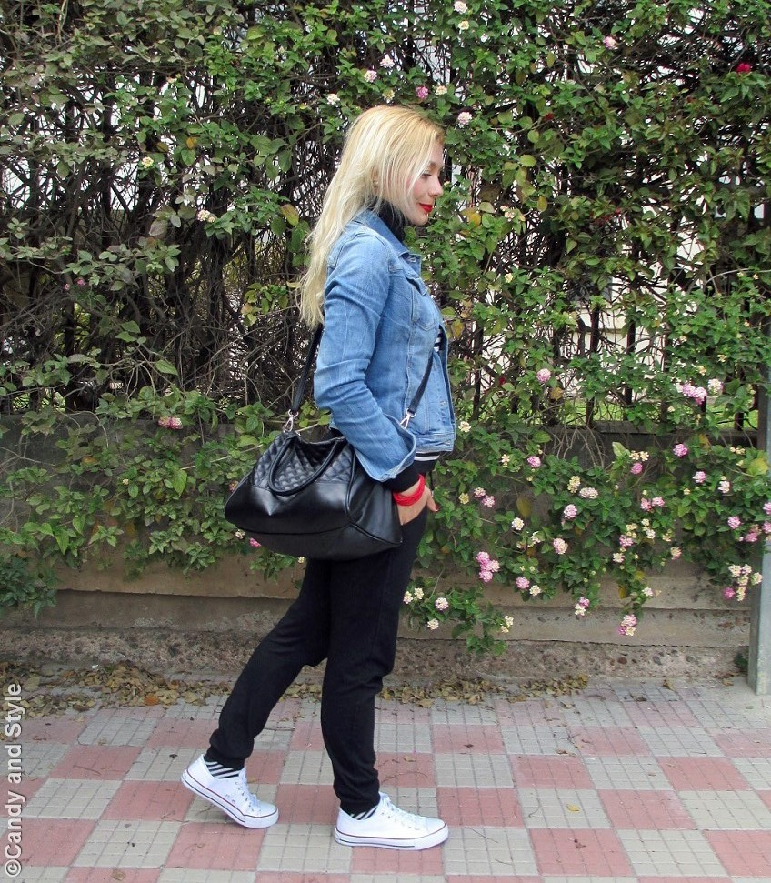 DenimJacket+StripedTurtleneck+BlackJoggers+WhiteSneakers+ToteBag+RedLips - Lilli Candy and Style Fashion Blog