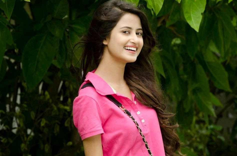 Sajal Ali Biography & Wallpapers, Hot pic, paki model, pak actres, hum tv, geotv,