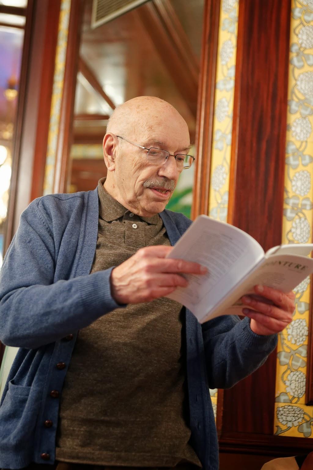 Guy Chaty a fait lecture de quelques textes   Photographie © Muriel Bergasa