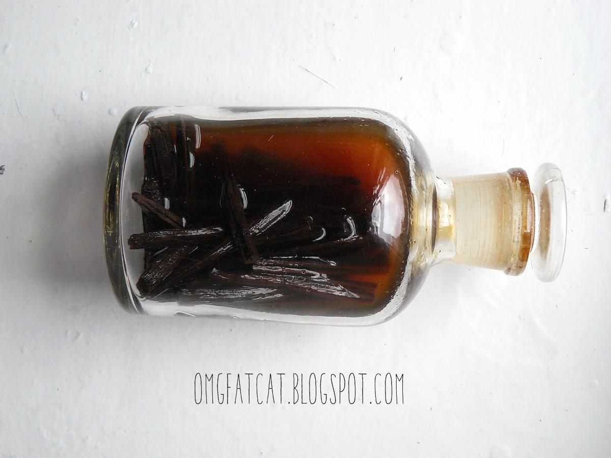 domowy ekstrakt z wanilii homemade vanilla extract bottle