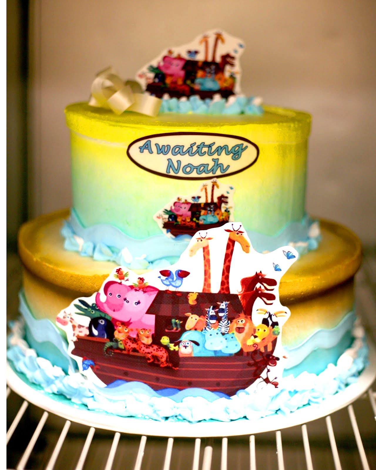 Hector s Custom Cakes CLASSIC BABY SHOWER CAKE NUETRAL
