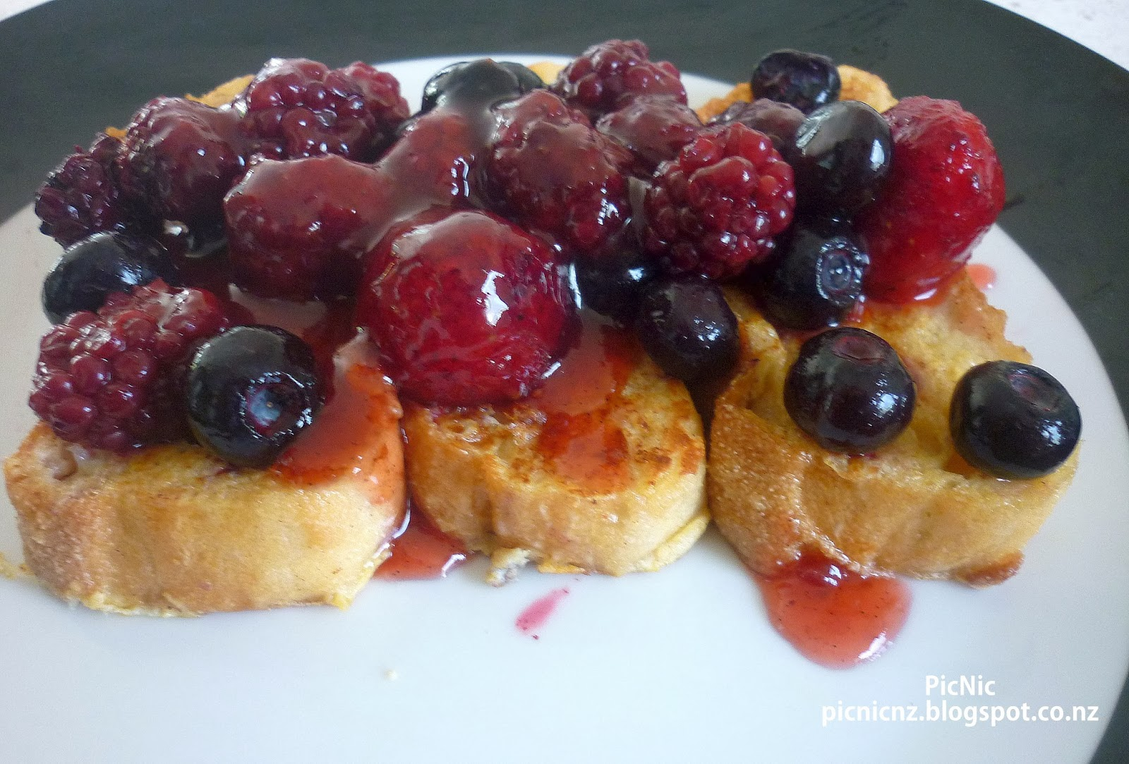 French Toast With Berries Recipe — Dishmaps