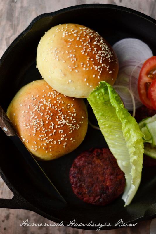 Easy Homemade Bread Recipes - Homemade Hamburger Buns| Homemade Recipes http://homemaderecipes.com/course/breakfast-brunch/diy-bread-recipes