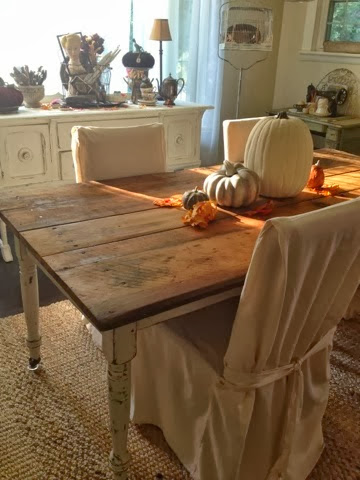 Vintage farm table, fall tablescapes