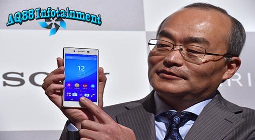 Akibat terus merugi, Sony pernah dikabarkan akan menjual divisi ponselnya. Hal ini pula yang pernah dilakukan Sony pada unit bisnis PC Vaio. Namun hal tersebut dibantah mentah-mentah CEO Sony Mobile Hiroki Totoki.