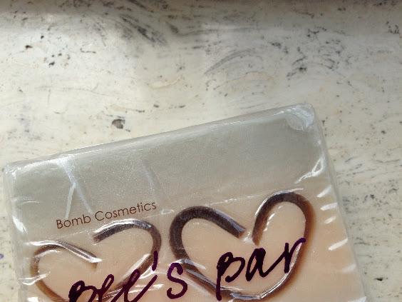 Bomb Cosmetics Bee's Bar.