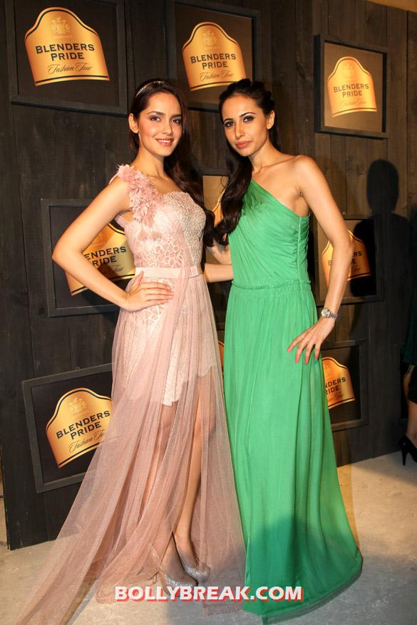 Shazahn Padamsee, Mandira Wirk Seagram's Blenders Pride Fashion Tour 2012 - (2) - Seagram's Blenders Pride Fashion Tour 2012 Photos