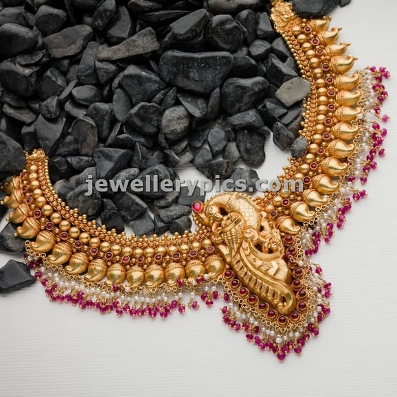 antique necklace set by avr swarnamahal