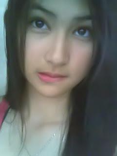 abg pose menggigit bibir 1008 9 Gaya Foto Paling Umum Di Indonesia