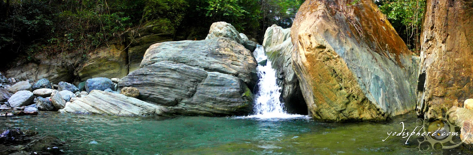 Panoramic View of Calawagan river mini falls 
